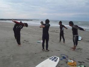 【山梨・初心者向け】海の爽快感を体感しよう!サーフィン体験スクールの画像
