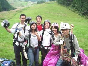 [Hyogo ・ Kannabe Kogen] The first person is safe Paragliding Experience flight (half-day course)