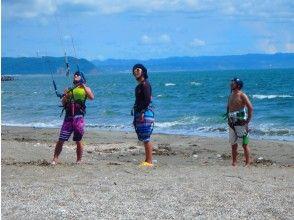 【千葉 富津岬】風の力で水上を自在に滑走する爽快感!カイトボード体験コース【2時間】