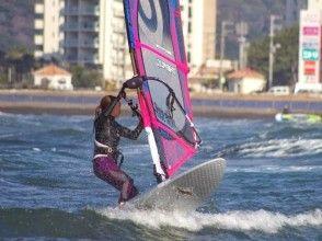 【千葉・検見川の浜】のんびり楽しく習いたい!ウィンドサーフィン初級スクール(1日コース)の画像