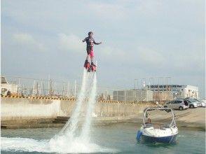 【沖縄】大人気!!沖縄の海でフライボードに挑戦!の画像