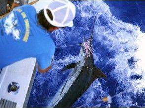 【沖縄・恩納村】釣りコース パヤオ釣り【最大15人乗船可!】