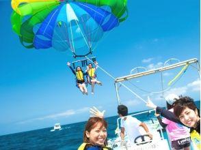 藍天[沖繩南部的絲滿]沖繩在空中散步!的滑翔傘體驗圖片