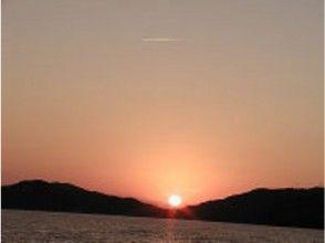 【沖縄・座間味】ホエールウォッチング(夕陽のブリーチコース)の画像