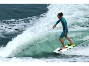 【Kagawa · Takamatsu · Inland Dam】 For beginners! Wake surfing experience that can gracefully ride the wave! (15 minutes) image