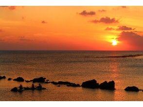 【中部】《サンセットカヤック》当日予約OK!東シナ海の夕陽を満喫!プチマングローブツアー付き!