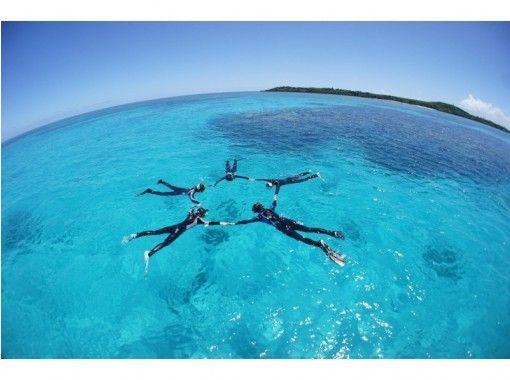【沖縄 西表島・バラス島・鳩間島】サンゴ礁や星砂ポイント・カメポイントで1日スノーケリングツアー