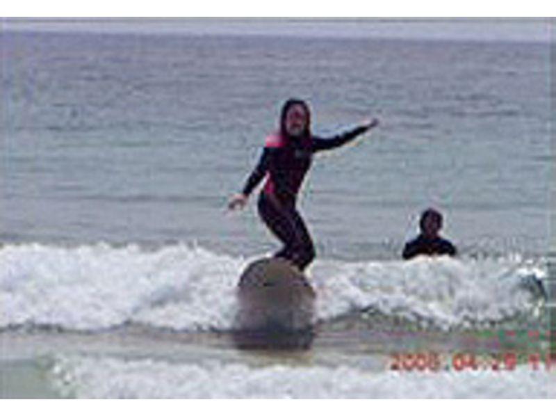 【静岡・下田】初心者からレベルアップの方まで参加!サーフィンスクール体験短時間コースの紹介画像