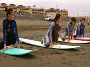 【神奈川・湘南】1回だと物足りないなと思ったらこちら!サーフィンスクール体験コース【3回】の画像