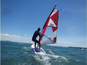 【神奈川・三浦海岸】風に乗るって気持ちいい~!ウインドサーフィン(半日体験)