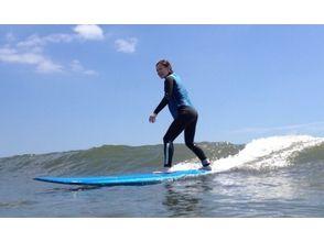 【千葉・九十九里】日帰りでコツを教わろう!サーフィン体験スクールの画像