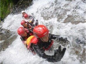 【Gunma · Mizuki】 With lunch ♪ Happy pack of popular Hydro Speed & Shower Climbing!