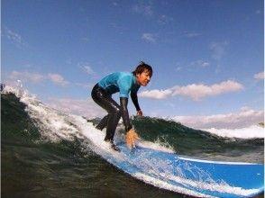 【沖縄・恩納村】サーフィンスクール ザ・入門(1~数回の経験浅めな方向け)の画像