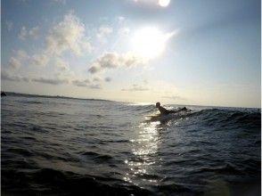 【沖縄・恩納村】サーフィン フルレンタル&フリーコース(経験者・現役サーファー向け)の画像