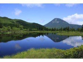 【北海道・知床】知床半島最大の湖へ!羅臼湖トレッキング(半日)