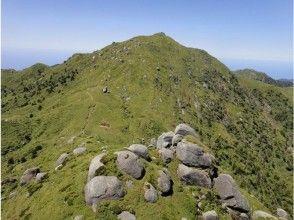 【完全貸切ガイド】九州最高峰を極める!宮之浦岳登山【安心・安全・超充実】の画像