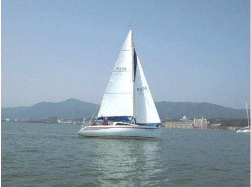 【滋賀・琵琶湖】のんびりステップアップ!ヨットスクール(全5回)