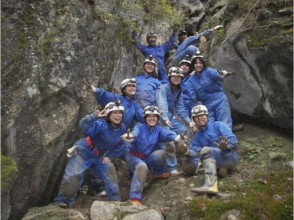 【上野村・ケイビング】本格的洞窟探検1日コース(天然温泉入浴付)