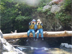 [Hokkaido Furano] playing in the clear stream! ! Canyoning ★ half day plan ★