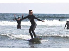 【大阪・サーフィン体験】ポイント多数!初めての方歓迎!誰でも波乗りサーフィン体験(120分)の画像