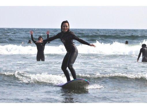 【大阪・サーフィン体験】ポイント多数!初めての方歓迎!誰でも波乗りサーフィン体験(120分)