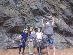【長野・白馬】自然の中で登ろう!天然岩クライミングの画像