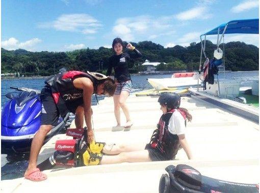 【静岡・浜名湖】<水圧で空を飛ぶ!>フライボード体験!初回体験コースor経験者コース