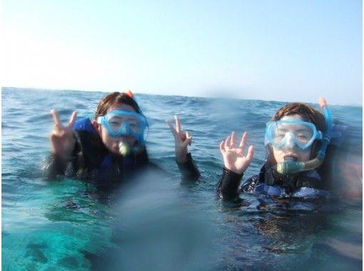 【优秀电晕对策店】悠闲地享受蓝洞的美丽世界!带喂食和照片数据服务的浮潜の紹介画像