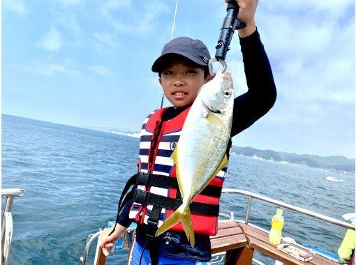 [ชิบะ / คัตสึอุระ] มาจับปลาตัวใหญ่เช่นปลาทรายแดงทะเลและปลาท้องแบนกันเถอะ! ประสบการณ์ตกปลาด้วยเรือลาดตระเวน! มือใหม่ยินดีต้อนรับ! แผนแชร์の紹介画像