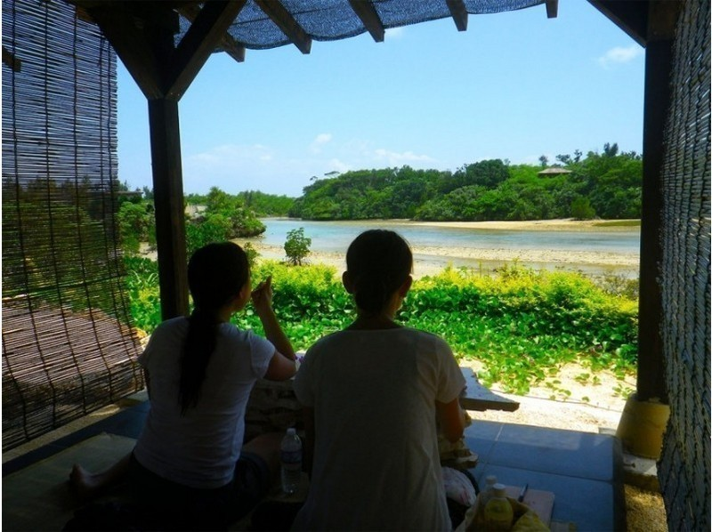 【Miyakojima · Irabejima】 Private lunch with a spectacular outdoor bath! Introduction image of sea kayaking / snorkelling tour!