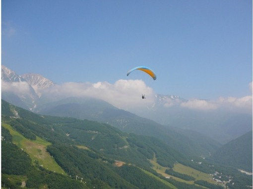 [Nagano/ Hakuba] The first person is also safe! Tandem flight course! Sightseeing flight with instructorの紹介画像
