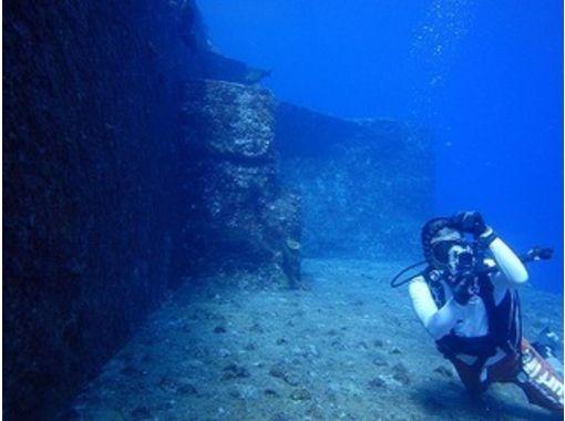 【沖縄・与那国島】海底遺跡・ハンマーウォッチングを楽しむ<Cカード必須・ファンダイビング>