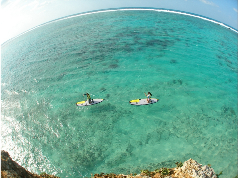 [Okinawa Onna guide Exclusive! SUP experience & blue cave snorkeling photography and with SD card gift! Introduction to image