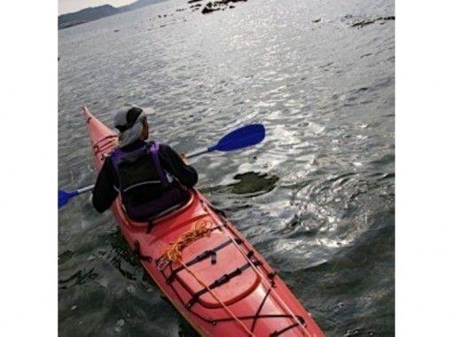 【静岡・熱海】伊豆の山々を眺めながら透きとおる海を満喫!シーカヤック体験(半日コース)