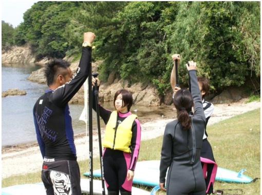 【 岛根 /滨田】让我们自由地在海边散步! SUP(站立桨船)体验(90分钟)の紹介画像