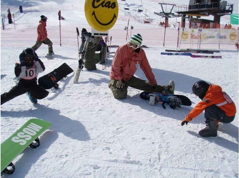 【岐阜・御岳】ちびっ子大集合!楽しみながら滑れるキッズレッスン!の紹介画像
