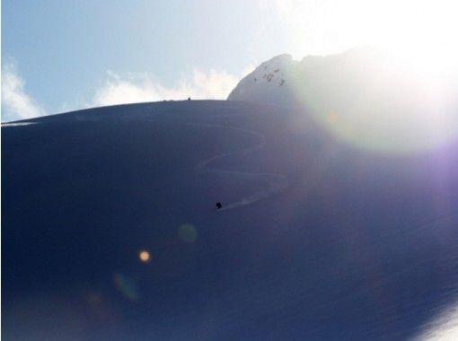 【青森・白神山地】三種の神器必須!刺激に満ちた岩木山「バックカントリー」