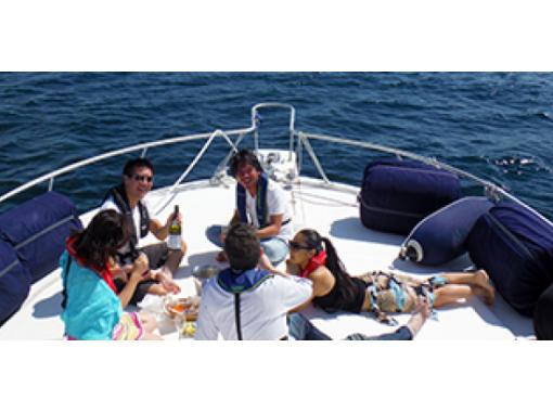 【神奈川県・相模湾】チャーターで三崎まぐろ個室ランチクルーズ(8名様迄)ご家族・お仲間で楽しめます!