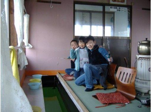 【長野・野尻湖】温かい屋形船で楽しむ!乗りあいワカサギ釣りプラン♪