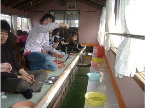 【長野・野尻湖】貸切ワカサギ釣りプラン~釣ったら天ぷらに!気の合った仲間とゆっくりで楽しもう!