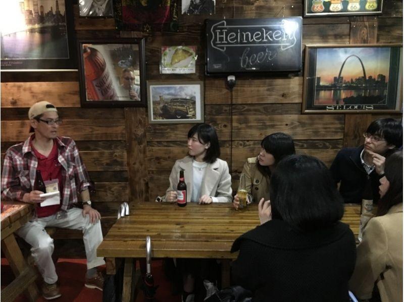 【沖縄・コザ】ディープすぎるコザの世界!夕暮れの街歩きナイトツアー!【ガイドツアー】の紹介画像