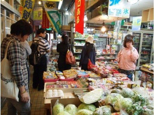 【沖縄・コザ】異国文化溢れる昼のコザを散策! 昼の観光ツアー【ガイドツアー】