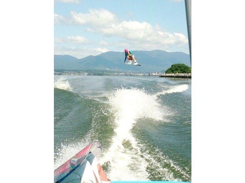 【滋賀・琵琶湖】ウェイクボード体験プランの紹介画像
