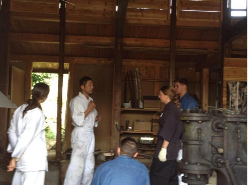 【岐阜・羽島市】刀匠が鍛造の技を教えます!鍛冶場で侍ナイフ作り(1日体験コース)の紹介画像