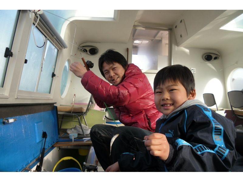 【山梨・山中湖】太陽光発電ドーム船で快適にワカサギ釣り!【特典付き】の紹介画像
