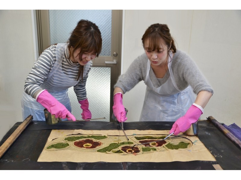 [โตเกียวประสบการณ์การย้อมสี] ภาพการแนะนำของฤดูกาล Chusome ประสบการณ์ผ้าย้อมสี