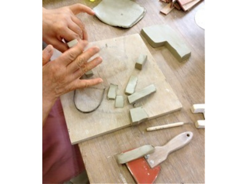 【埼玉・陶芸体験】粘土遊び感覚で楽しく作ろう!手びねり体験の紹介画像