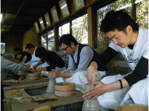 [Gifu / Tajimi] Careful support for beginners! Let's make it in a pottery town that has been around since the Momoyama period! Pottery experience (regional common Use a coupon possible plan)の紹介画像