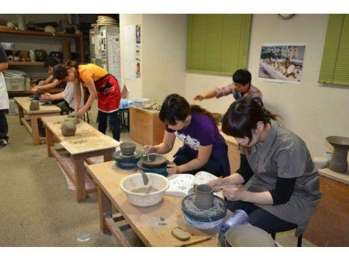 【愛知・名古屋】講師がしっかりサポート!憧れの電動ろくろで思いを込めて陶芸体験