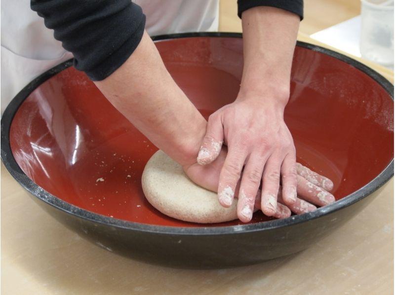 【三重県・蕎麦作り体験】蕎麦粉で蕎麦打ちを体験しようの紹介画像